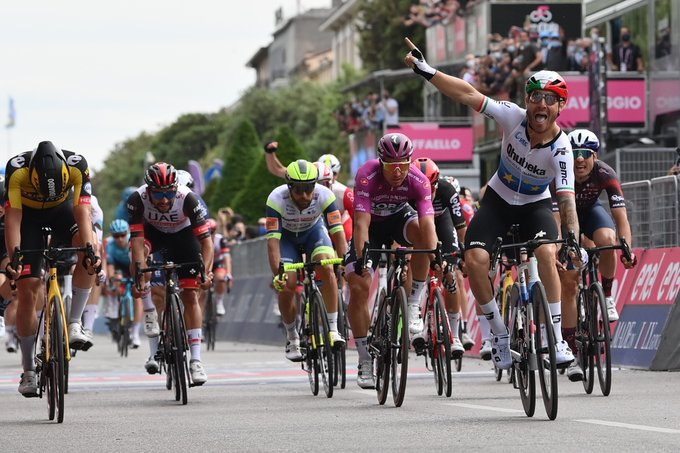 La 13e étape du Giro conclue au sprint par Giacomo Nizzolo