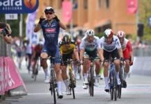 Tim Merlier le plus fort des sprinteurs pour la première arrivée groupée du Giro 2021
