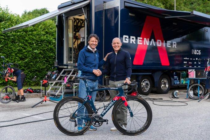 Ineos Grenadiers continue avec Pinarello