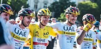 Tadej Pogacar savoure son succès final au Tour de France 2021