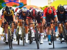Un sprint indécis qui tourne en faveur de Fernando Gaviria au Tour de Pologne 2021