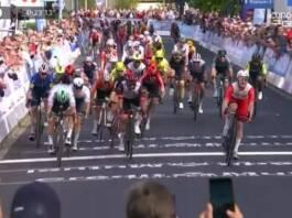 Le GP de Fourmies 2021 se conclut par la victoire d'Elia Viviani au sprint